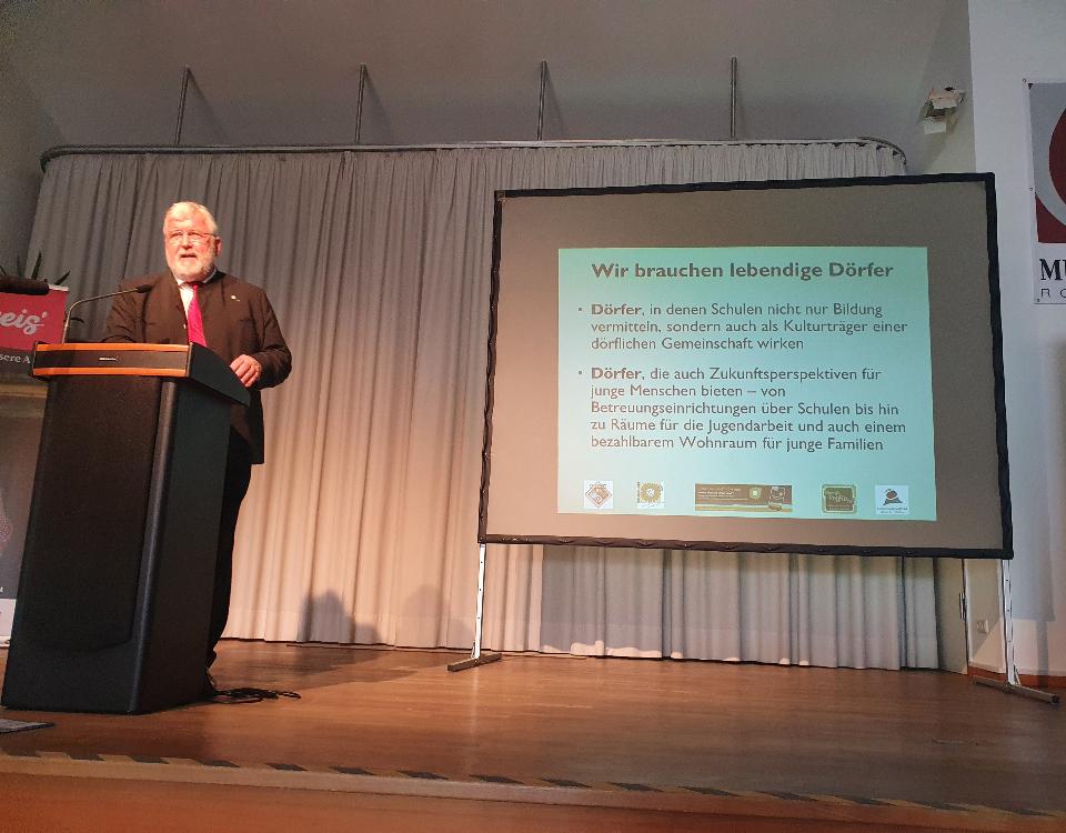 Sebastian Friesinger beim Vortrag