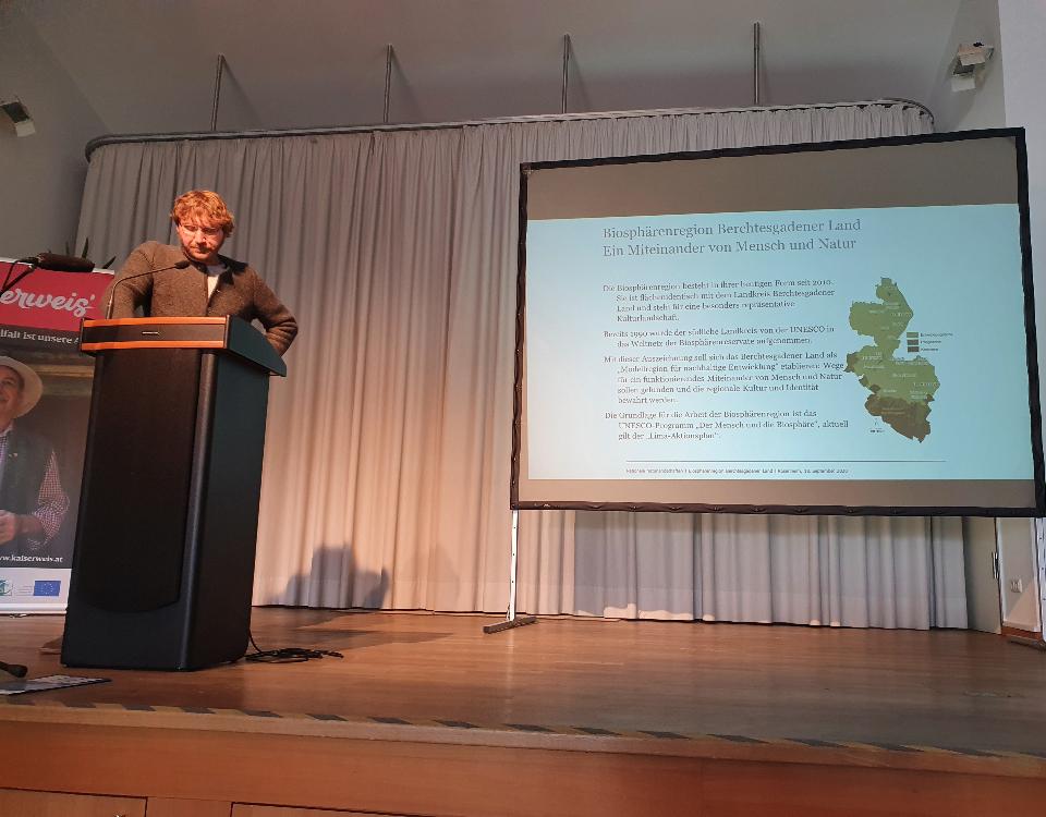 Klaus Bauer beim Vortrag